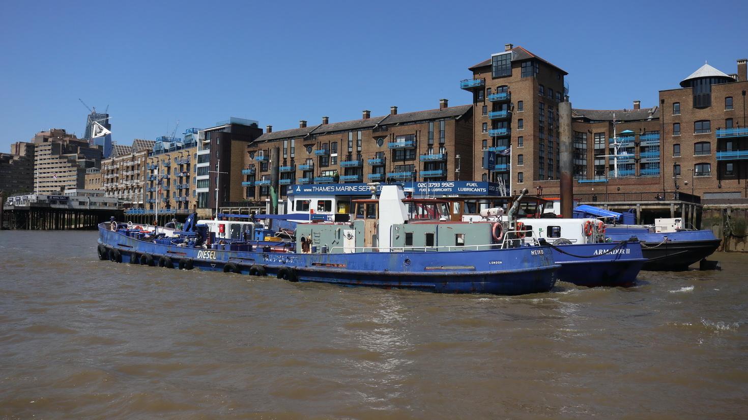 Trip boat service boats